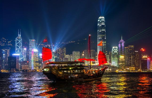 ทัวร์ฮ่องกงวันปีใหม่ นองปิง วิคตอเรียพีค มาเก๊า 4วัน3คืน บิน Royal Jordanian Airlines(พักมาเก๊า1คืน)