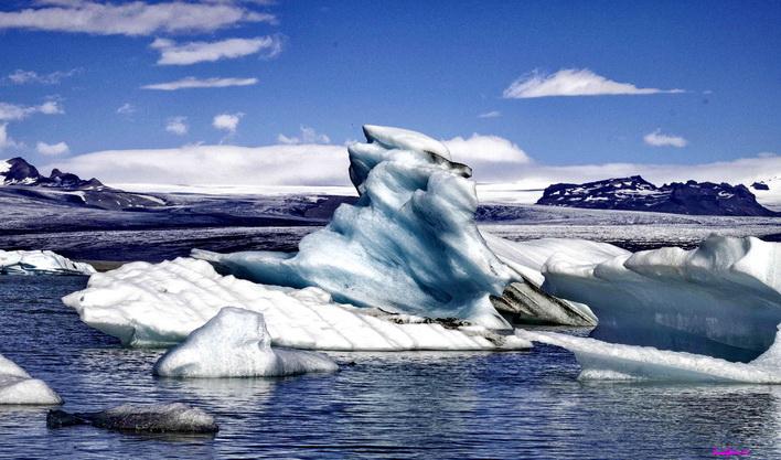 ทัวร์ไอซ์แลนด์ เรคยาวิก ธารน้ำแข็งมียร์ดาลส์ โจกุลซาร์ลอน เพอร์ลัน 10วัน7คืน บิน Thai Airways